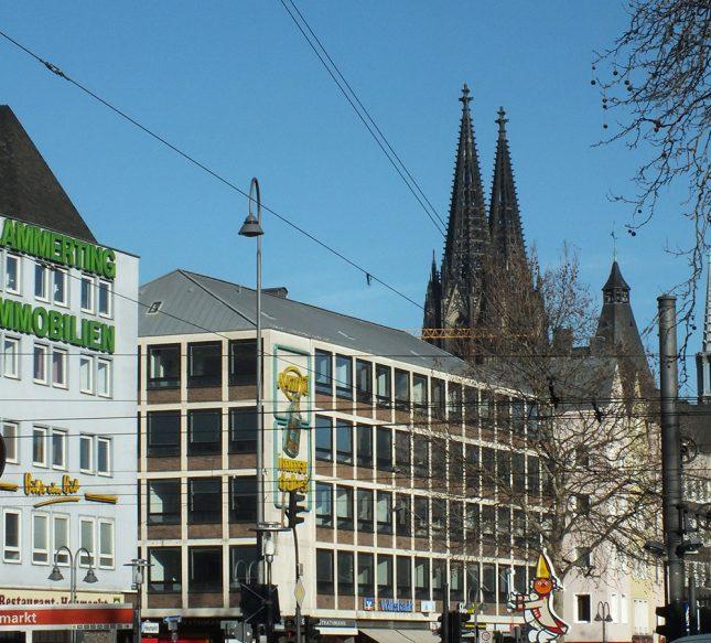 Köln Heumarkt mit Dom